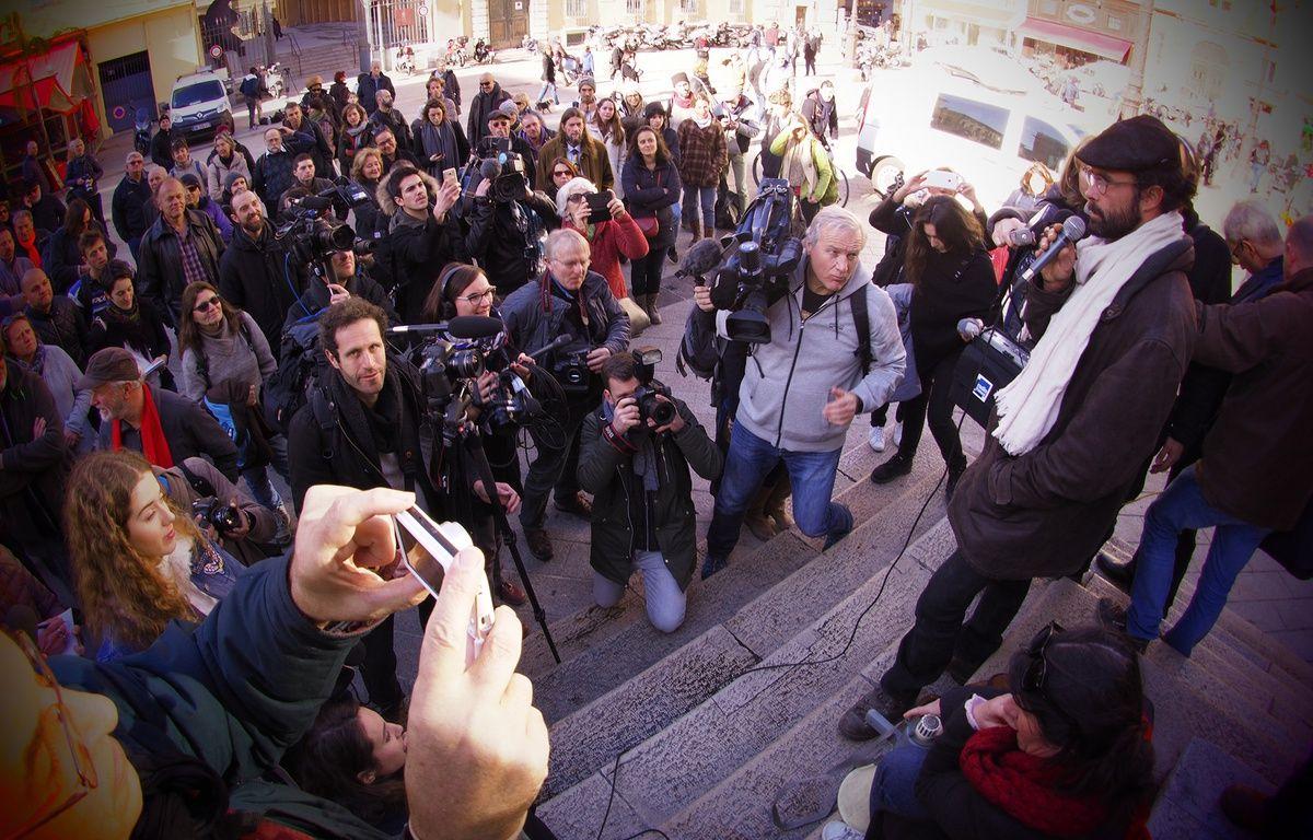 Jusqu'à 300 personnes se sont réunis devant le palais de justice de Nice dans l'après-midi du 4 janvier 2017 pour soutenir Cédric Herrou  – F. Binacchi / ANP / 20 Minutes