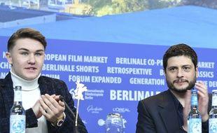 L'acteur Artem Tkachuk et le réalisateur Claudio Giovannesi lors de la présentation du film «Piranhas» à la Berlinale 2019