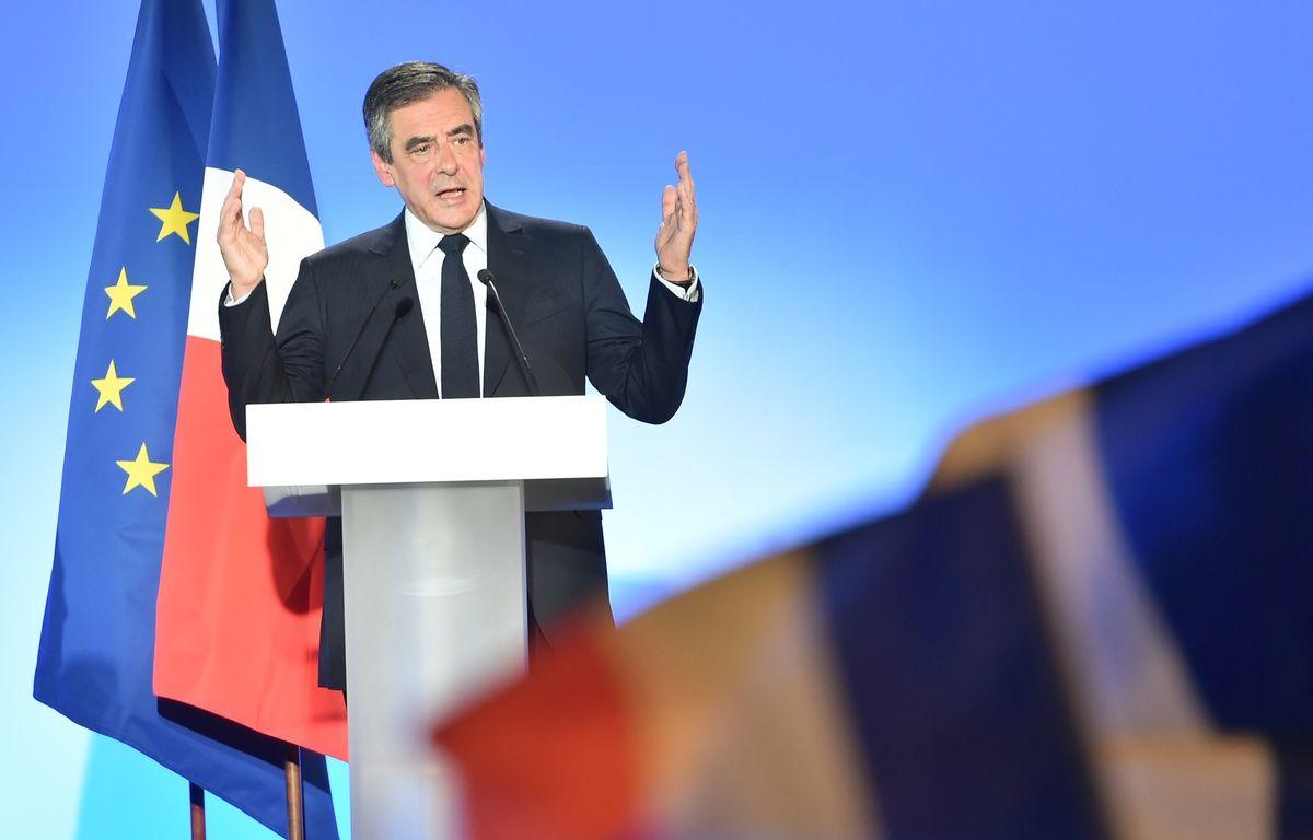 François Fillon en meeting à Lille, le 18 avril 2017. – Philippe HUGUEN / AFP