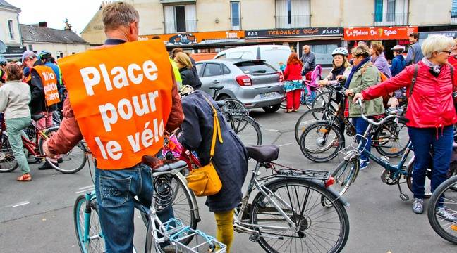 blocage du 17 novembre une contre manifestation de cyclistes en bretagne. Black Bedroom Furniture Sets. Home Design Ideas
