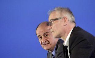 Le président du festival de Cannes Pierre Lescure et le délégué général Thierry Frémaux le 16 avril 2015 à Paris