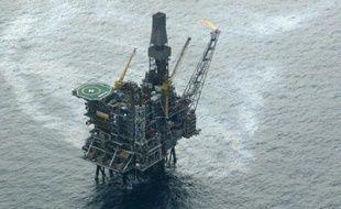 Plus de 700 employés du pétrole se sont mis en grève en Norvège dimanche après une rupture des négociations sur les retraites, entraînant des baisses de production et des pertes de plusieurs dizaines de millions de dollars par jour, a indiqué l'organisation patronale.