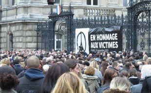 Minute de silence le 16 novembre 2015, place de la République à Lille