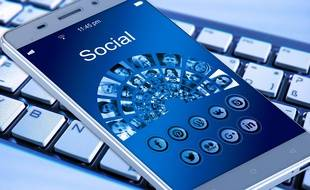 La question de l'héritage numérique pose notamment problème sur les réseaux sociaux.
