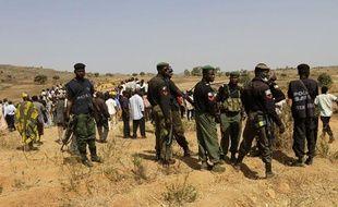 L'armée et la police sont déployés, le 8 mars 2010, dans la région de Jos au Nigeria après la tuerie inter-ethnique.