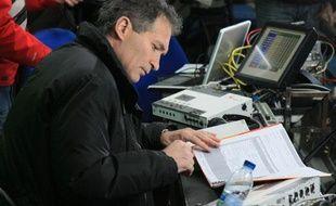 Le journaliste de TF1 Christian jeanpierre, en mars 2008, au Stade de France.