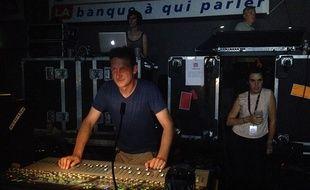 Sébastien Roblin apprécie d'être derrière et d'observer le public, comme ci-dessus au Big Festival à Biarritz.