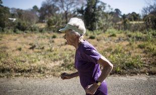 Deirdre Larkin, s'entraînant au semi-marathon, à 85 ans