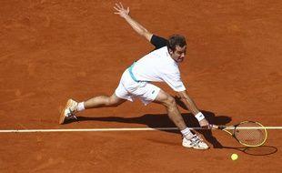 Richard Gasquet contre Stan Wawrinka lors du tournois de tennis de Roland Garros le 3 juin 2013.