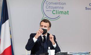 Le président français Emmanuel Macron lors d'une nouvelle rencontre avec les membres de la convention citoyenne sur le climat, le 14 décembre.