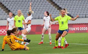 Stina Blackstenius (n°11) a inscrit un doublé pour les Suédoises.