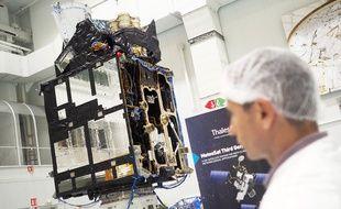 Un des six satellites de la constellation, équipé d'un imageur d'éclairs, le 4 juin 2019 à Cannes