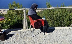 Linda, une femme algérienne et mère de trois enfants qui a été abandonnée par son mari après avoir été diagnostiquée d'un cancer du sein. Ici le 15 novembre 2017 à Alger.