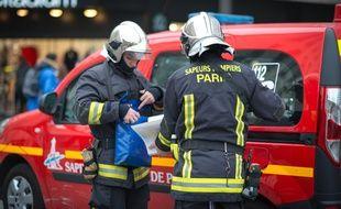 Des sapeurs-pompiers de Paris. (Illustration)