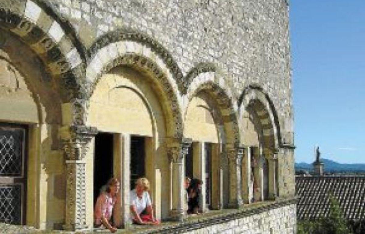 Le château des Adhémar à Montélimar abrite le centre d'art contemporain. –  OFFICE DE TOURISME DE MONTELIMAR