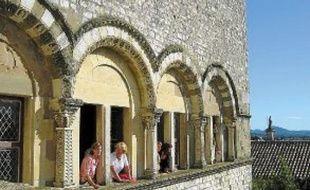 Le château des Adhémar à Montélimar abrite le centre d'art contemporain.