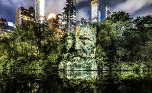Les portraits de Philippe Echaroux projetés à Central Park.