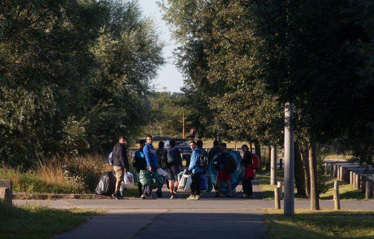 Migrants A Calais L Interdiction Faite Aux Associations De Distribuer Des Repas Est Prolongee