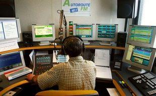 Les radios d'autoroutes sont devenues incontournables pour les automobilistes, tout spécialement lors des grands départs en vacances