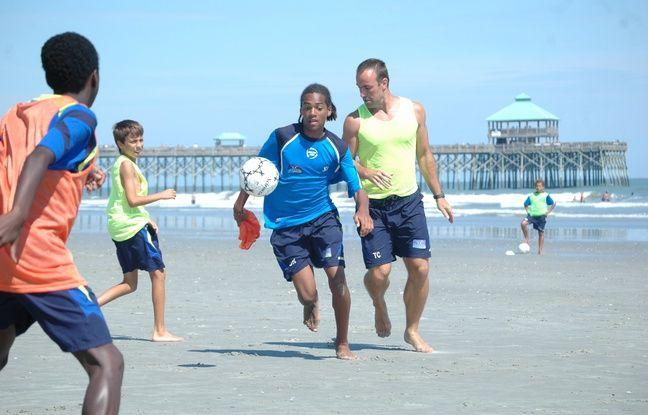 Jason Denayer, ici lors d'un stage avec l'académie Jean-Marc Guillou, sur une plage de Floride, en 2009.