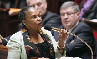 La ministre de la Justice Christiane Taubira a critiqué samedi la publication par Sud Ouest d'extraits de l'audition de Nicolas Sarkozy, alors que le Parisien a publié le fac similé de ce que l'avocat de l'ex-chef d'Etat a présenté comme une grave confusion du juge entre les noms Bettencourt et Betancourt.