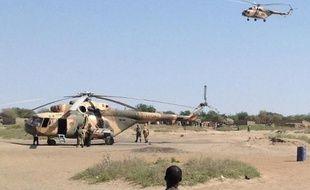 Des hélicoptères à Fotokol au Cameroun de retour d'une opération à Gamboru (Nigeria) le 1er février 2015