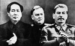 Mao, Nikolaï Boulganine et Staline en 1949.