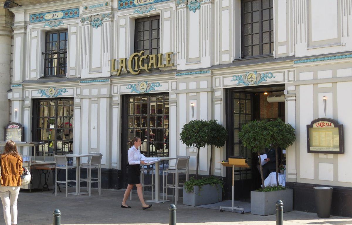 Nantes la place graslin et la c l bre brasserie la cigale - La maison cafe nantes ...