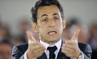 Le tribunal correctionnel de Compiègne (Oise) a condamné lundi à 2 mois de prison avec sursis un homme qui avait envoyé un mail menaçant de mort Nicolas Sarkozy et visant aussi la ministre de l'Intérieur, Michèle Alliot-Marie.