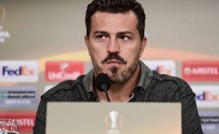 Oscar Garcia, ici en septembre 2016 lors d'une conférence de presse avec le Red Bull Salzbourg, avant un match de Ligue Europa contre Shalke 04.
