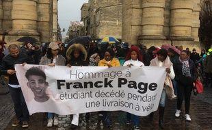 Une centaine de personnes ont participé à une marche en hommage à Franck Page, coursier à vélo décédé le 17 janvier.