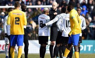 Les Réunionnais de la Saint-Pierroise (en blanc) ont été éliminés en prolongations par Epinal, en 16e de finale de la Coupe de France, le 18 janvier 2020.