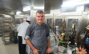 Thierry Houlbert est le chef pâtissier du plus gros paquebot du monde