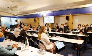 Une réunion des députés LREM dans les bureaux du parti à Paris, le 20 juillet 2020.