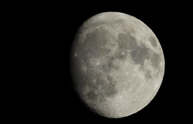 Une photo de la Lune réalisée avec l'appareil photo bridge Nikon P1000.