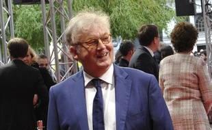 Dominique Besnehard sur le tapis rouge du festival Series Mania.