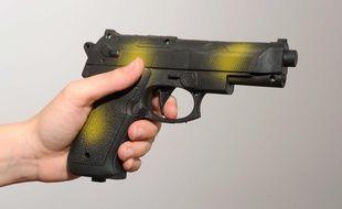 Les fusils volés ont été remplacés par des armes factices. (Illustration)