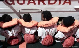 Des migrants à bord de «l'Aquarius», le 12 juin.