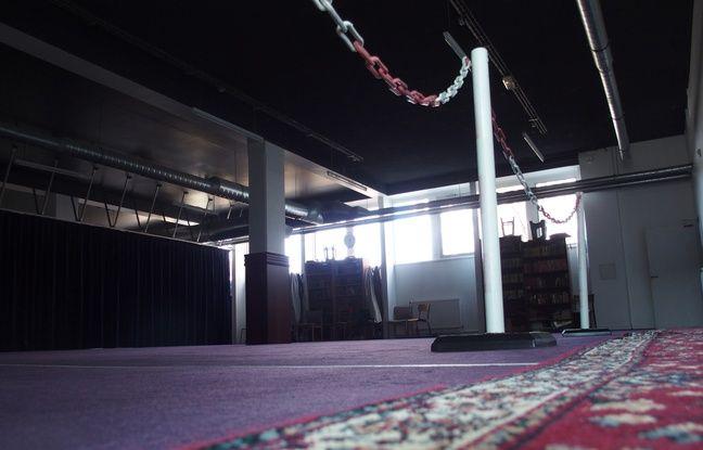 Clichy-la-Garenne, le 25 mars 2017. La salle de prière de l'association du centre culturel et cultuel des musulmans de Clichy.