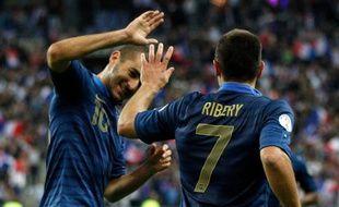 Franck Ribéry et Karim Benzema, lors de la victoire 3-1 face à la Biélorussie, le 11 septembre 2012.