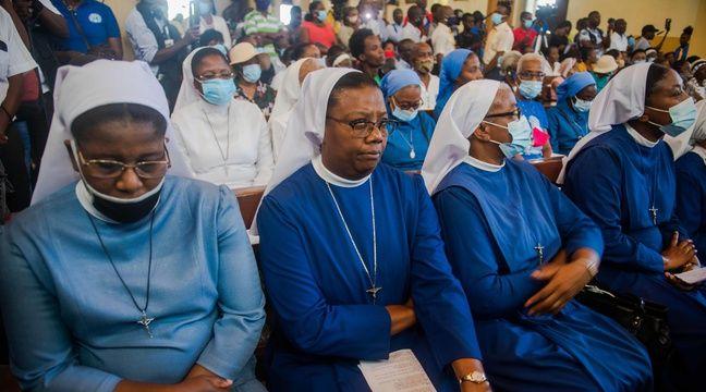 Trois des sept religieux enlevés ont été libérés, les deux Français toujours prisonniers
