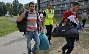 Des migrants syriens arrivent à Gabcikovo, en Slovaquie, le 17 septembre 2015