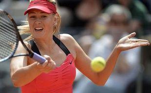 La Russe Maria Sharapova, tête de série N.2, s'est qualifiée pour la finale du tournoi WTA de Rome en battant l'Allemande Angelique Kerber (N.12) 6-3, 6-4, samedi.