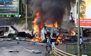 Les violences et les pillages dans la nuit du mardi 17 au mercredi 18 février, à Point-à-Pitre, Guadeloupe, ont provoqué la mort d'un syndicaliste de la CGTG.