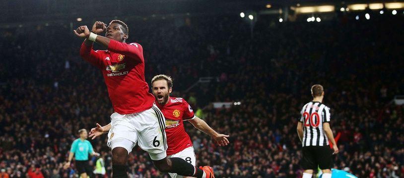 Paul Pogba et sa célébration menottes, samedi, face à Newcastle.