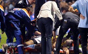 """Le troisième ligne de Bayonne François Carrillo, victime d'un malaise d'origine indéterminée lors de l'échauffement avant le match de Top 14 contre Mont-de-Marsan, et transporté à l'hôpital en réanimation, a passé des premiers examens """"rassurants"""", a annoncé le club basque."""