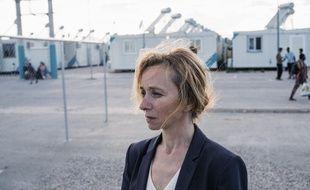 Sylvie Testud joue Hélène, la directrice d'un camp de réfugiés en Grèce, dans la série «Eden».