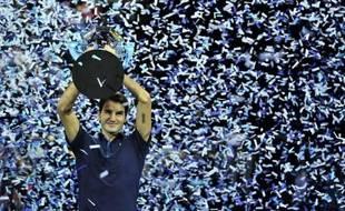 Jo-Wilfried Tsonga a laissé Roger Federer écrire l'histoire dimanche à Londres, où le Suisse a remporté son sixième Masters à l'issue d'une finale en trois sets devenue superbe sur le tard.