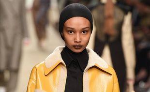 La mannequin Ugbad Abdi lors du défilé Fendi à Milan le 21 février.