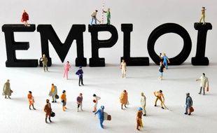 L'emploi salarié, bien qu'en hausse, a connu au 2e trimestre sa plus faible progression depuis trois ans (illustration).